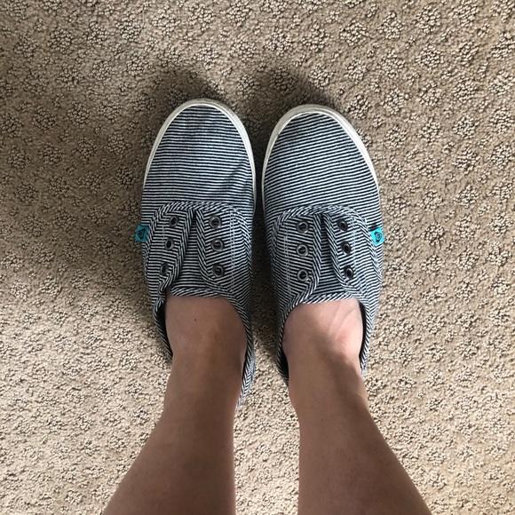 Roxy Shoes - Roxy brand tennis shoes